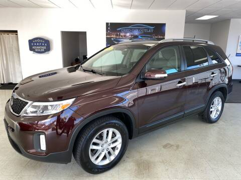 2015 Kia Sorento for sale at Used Car Outlet in Bloomington IL