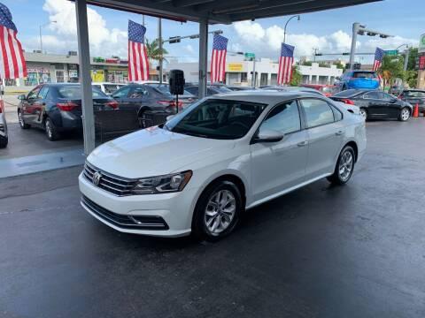 2018 Volkswagen Passat for sale at American Auto Sales in Hialeah FL