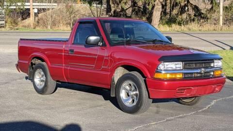 2000 Chevrolet S-10 for sale at Kidron Kars INC in Orrville OH