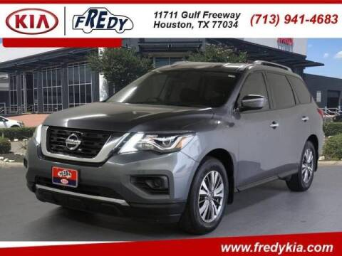 2018 Nissan Pathfinder for sale at FREDYS CARS FOR LESS in Houston TX