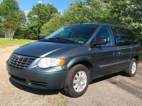 2007 Chrysler Town and Country for sale at GOOD USED CARS INC in Ravenna OH