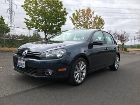 2013 Volkswagen Golf for sale at Rynok Auto Sales LLC in Auburn WA