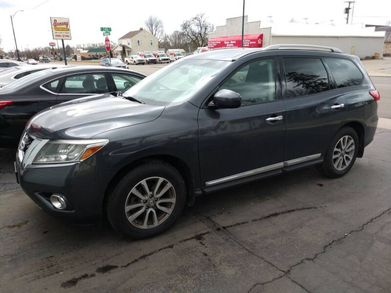 2014 Nissan Pathfinder for sale at Economy Motors in Muncie IN