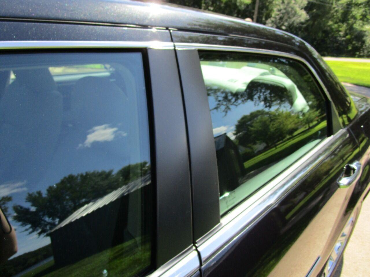 2006 Chrysler 300 35