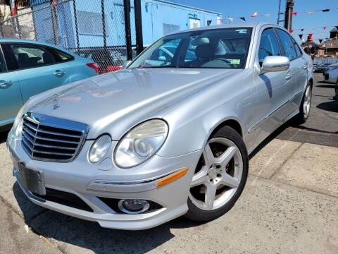 2009 Mercedes-Benz E-Class for sale at GW MOTORS in Newark NJ