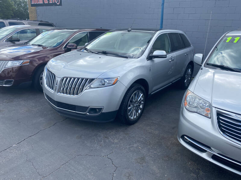 2013 Lincoln MKX for sale at Lee's Auto Sales in Garden City MI
