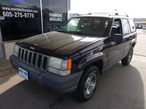 1998 Jeep Grand Cherokee for sale at World Wide Automotive in Sioux Falls SD