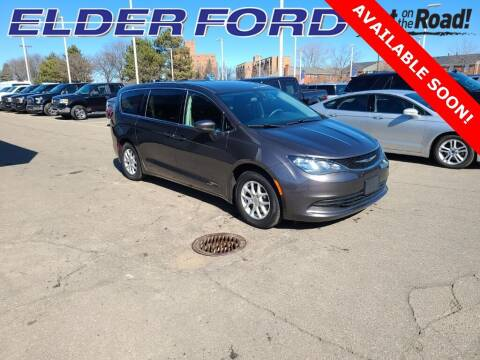 2018 Chrysler Pacifica for sale at Mr Intellectual Cars in Troy MI
