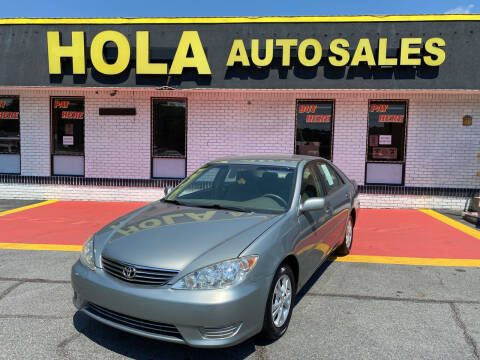 2005 Toyota Camry for sale at HOLA AUTO SALES CHAMBLEE- BUY HERE PAY HERE - in Atlanta GA