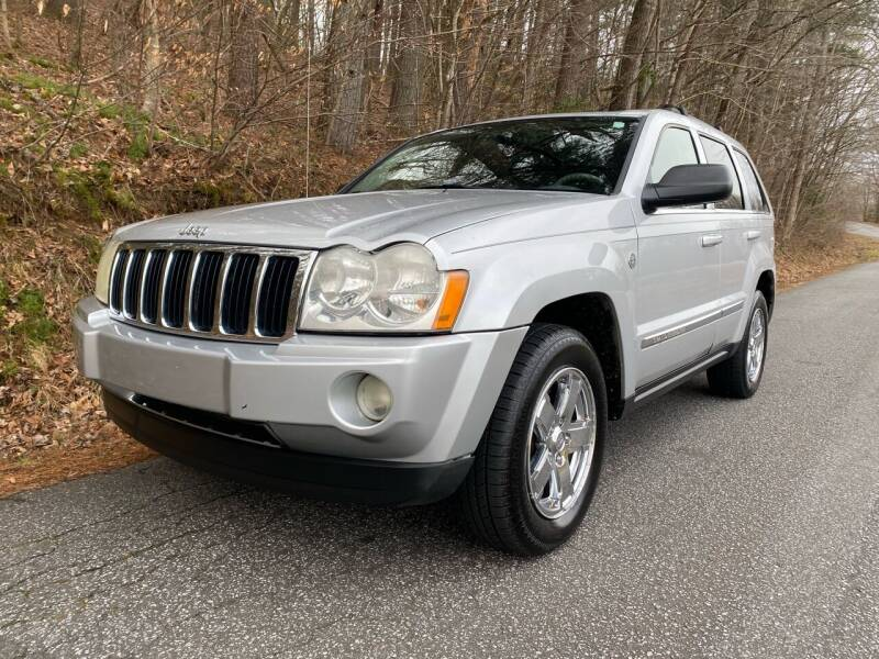 2005 Jeep Grand Cherokee for sale at Lenoir Auto in Lenoir NC