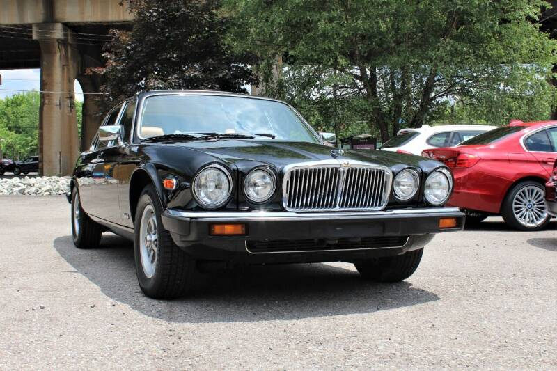 1987 Jaguar XJ-Series for sale at Cutuly Auto Sales in Pittsburgh PA