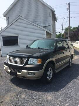 2005 Ford Expedition for sale at Village Auto Center INC in Harrisonburg VA