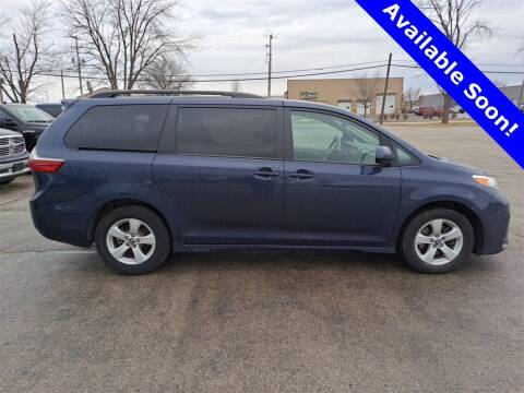 2020 Toyota Sienna for sale at LENZ TRUCK CENTER in Fond Du Lac WI