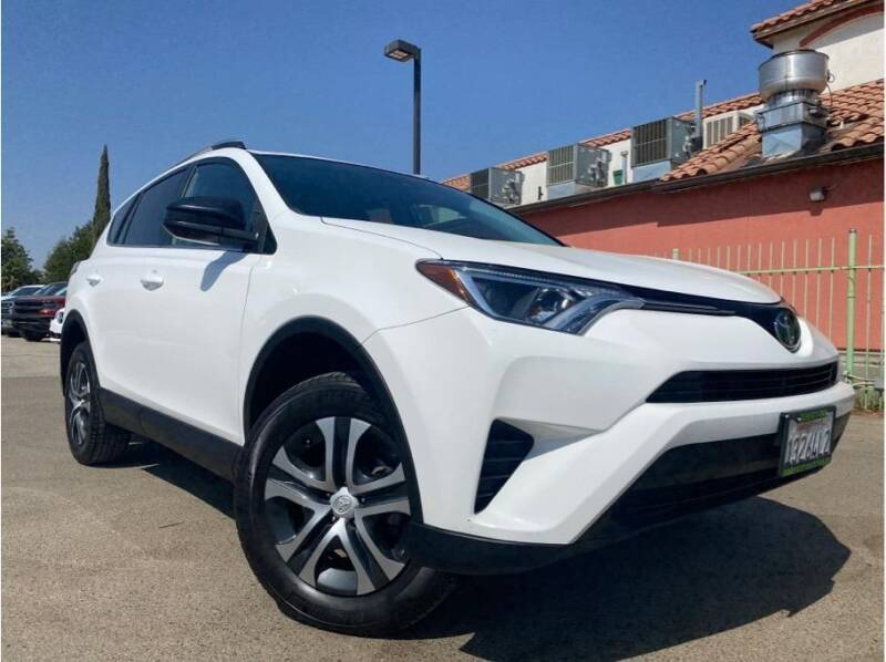 2018 Toyota RAV4 for sale at MADERA CAR CONNECTION in Madera CA