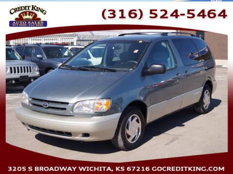 2000 Toyota Sienna for sale at Credit King Auto Sales in Wichita KS