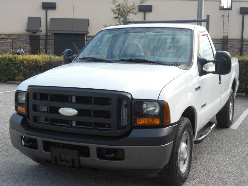 2006 Ford F-250 Super Duty for sale at PORT TAMPA AUTO GROUP LLC in Riverview FL