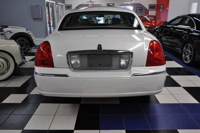 2003 Lincoln Town Car Executive 4dr Sedan - Pompano Beach FL