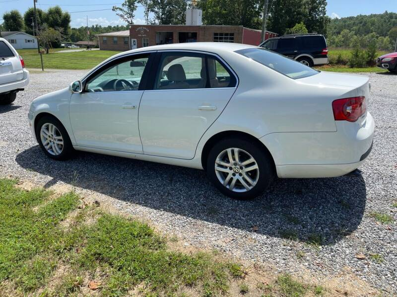 2006 Volkswagen Jetta for sale at Judy's Cars in Lenoir NC
