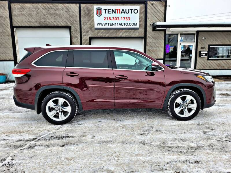 2019 Toyota Highlander for sale at Ten 11 Auto LLC in Dilworth MN