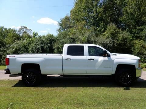2017 Chevrolet Silverado 2500HD for sale at Apex Auto Sales LLC in Petersburg MI