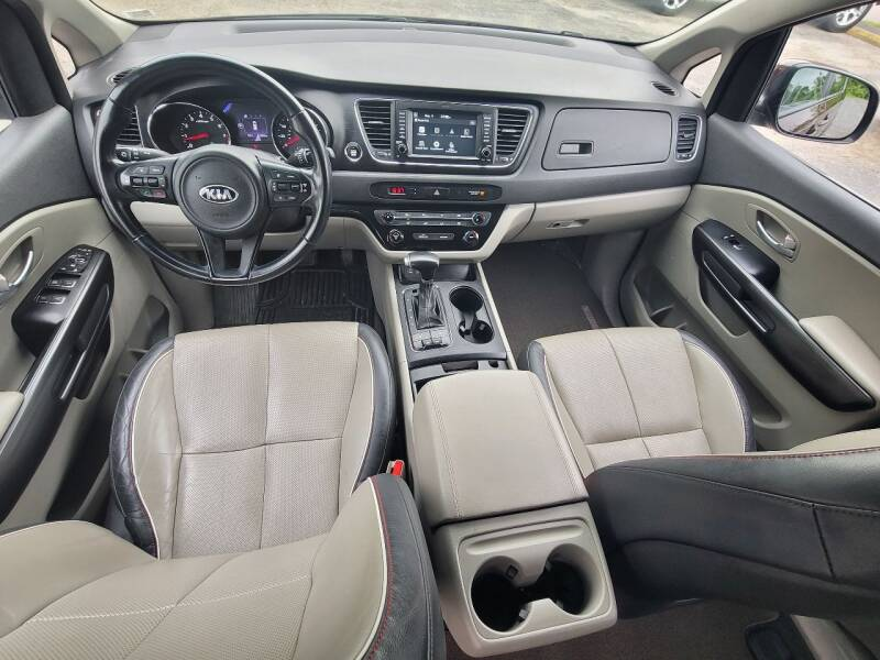 2017 Kia Sedona for sale at BHT Motors LLC in Imperial MO