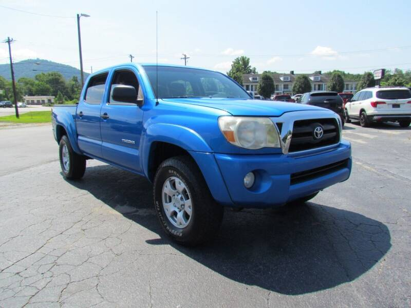 2007 Toyota Tacoma for sale at Hibriten Auto Mart in Lenoir NC