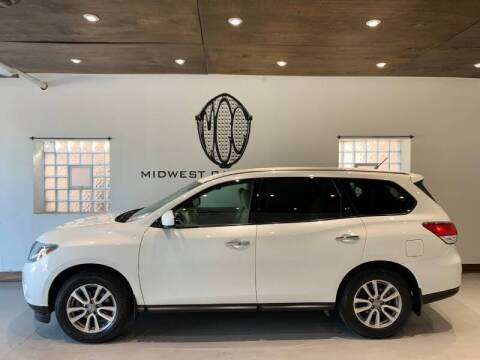 2015 Nissan Pathfinder for sale at Midwest Car Connect in Villa Park IL