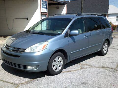 2004 Toyota Sienna for sale at Wamsley's Auto Sales in Colonial Heights VA