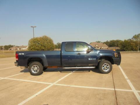 2009 GMC Sierra 2500HD for sale at MANGUM AUTO SALES in Duncan OK