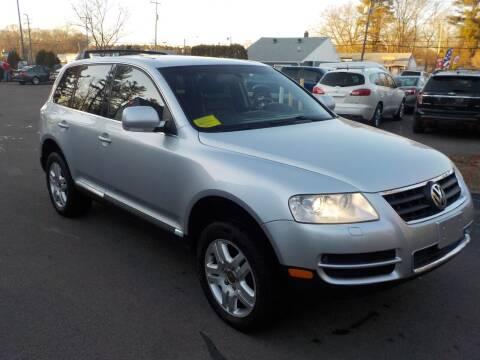 2004 Volkswagen Touareg for sale at RTE 123 Village Auto Sales Inc. in Attleboro MA
