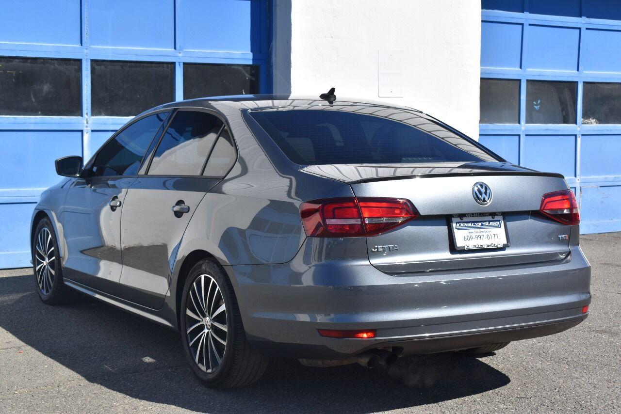 2016 Volkswagen Jetta 1.8T Sport PZEV 4dr Sedan 6A full