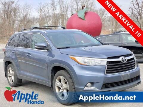 2015 Toyota Highlander for sale at APPLE HONDA in Riverhead NY