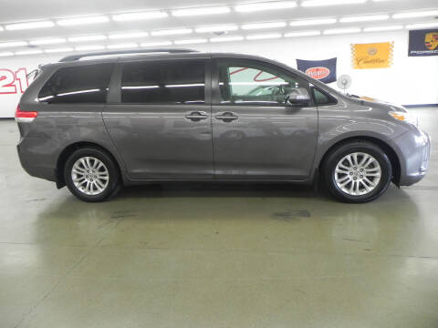 2012 Toyota Sienna for sale at Car Now in Mount Zion IL