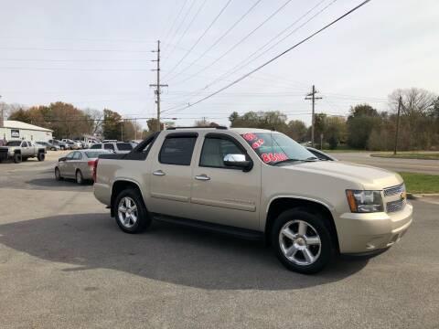 2008 Chevrolet Avalanche for sale at Bob's Imports in Clinton IL