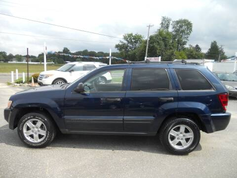 2005 Jeep Grand Cherokee for sale at All Cars and Trucks in Buena NJ