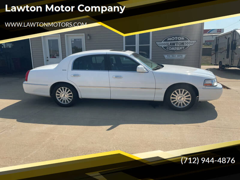 2003 Lincoln Town Car for sale at Lawton Motor Company in Lawton IA