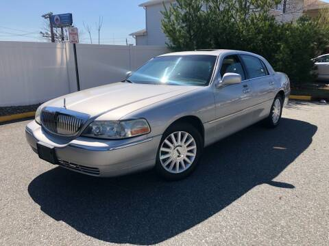 2004 Lincoln Town Car for sale at Giordano Auto Sales in Hasbrouck Heights NJ