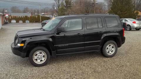 2015 Jeep Patriot for sale at MIKE'S CYCLE & AUTO in Connersville IN
