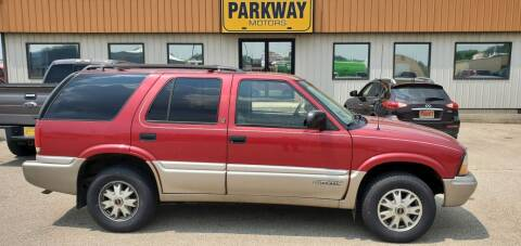 2001 GMC Jimmy for sale at Parkway Motors in Springfield IL