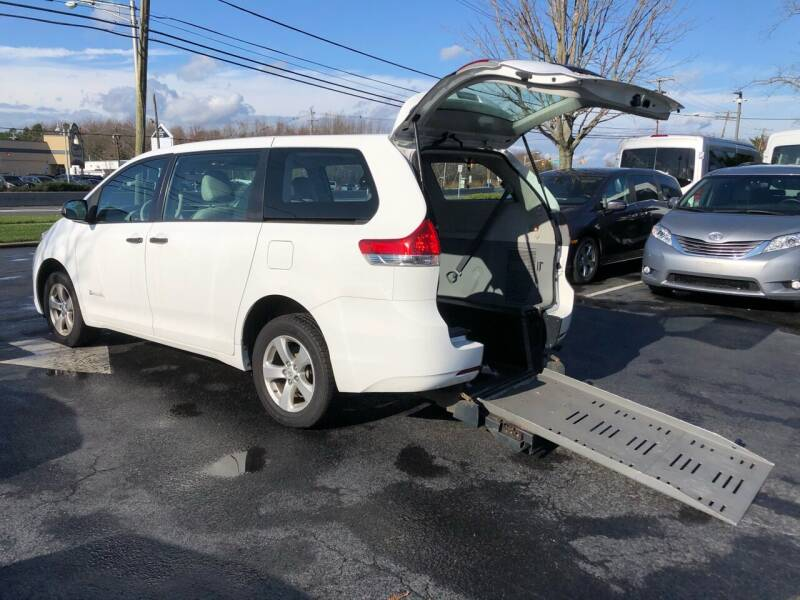 2013 Toyota Sienna for sale at iCar Auto Sales in Howell NJ