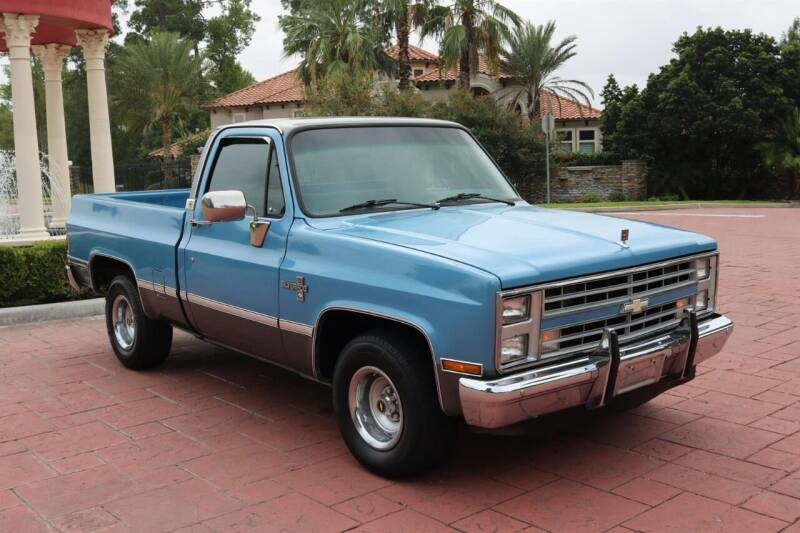 1987 Chevrolet R/V 10 Series for sale in Conroe, TX
