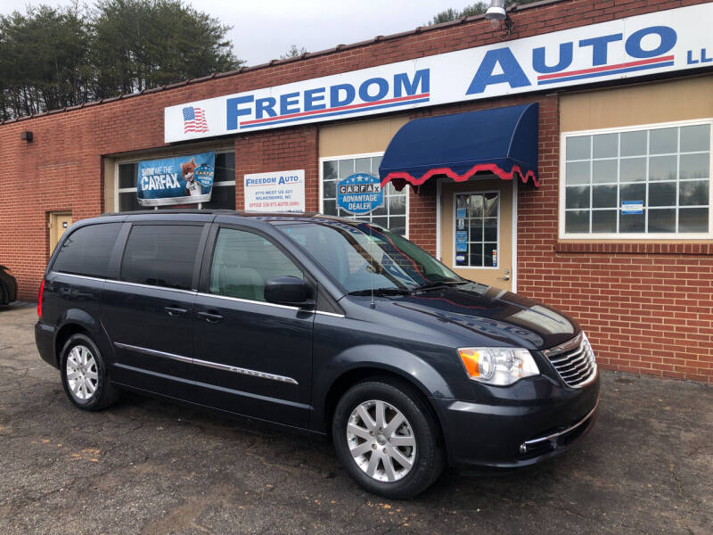 2013 Chrysler Town and Country for sale at FREEDOM AUTO LLC in Wilkesboro NC