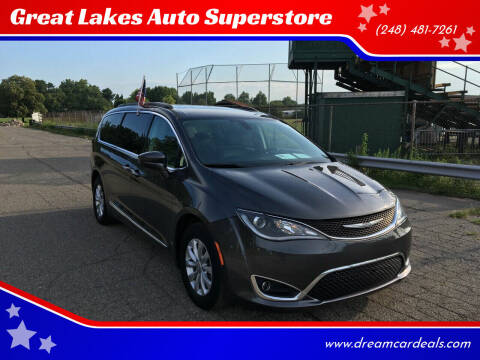 2017 Chrysler Pacifica for sale at Great Lakes Auto Superstore in Waterford Township MI