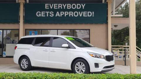 2017 Kia Sedona for sale at Dunn-Rite Auto Group in Longwood FL