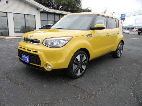 2015 Kia Soul for sale at MARK HOLCOMB  GROUP PRE-OWNED in Waco TX