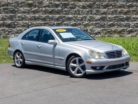 2005 Mercedes-Benz C-Class for sale at Car Hunters LLC in Mount Juliet TN
