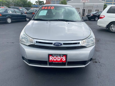 2009 Ford Focus for sale at Rod's Automotive in Cincinnati OH