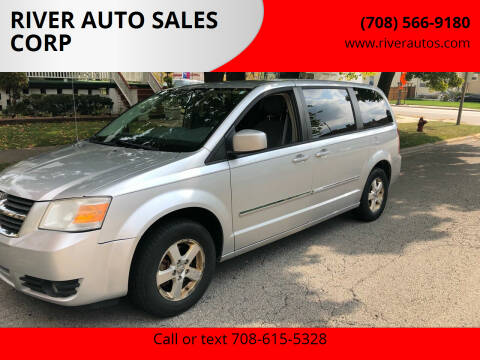 2008 Dodge Grand Caravan for sale at RIVER AUTO SALES CORP in Maywood IL