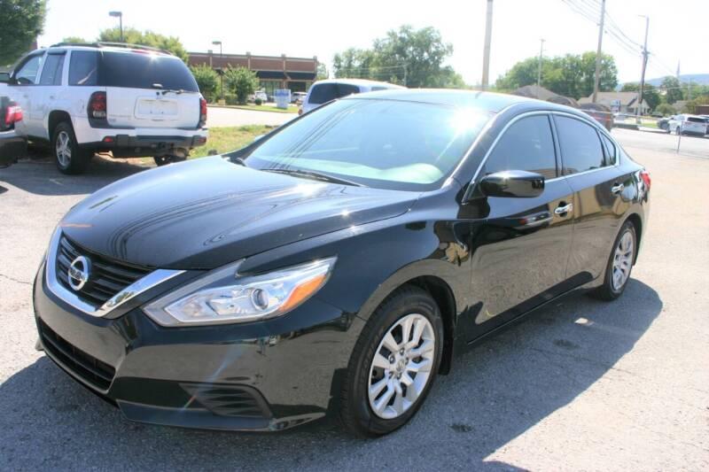 2016 Nissan Altima for sale at RIVERSIDE CUSTOM AUTOMOTIVE in Mc Minnville TN
