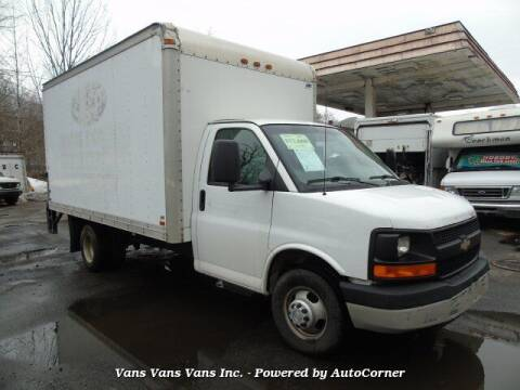 2007 Chevrolet Express Cutaway for sale at Vans Vans Vans INC in Blauvelt NY